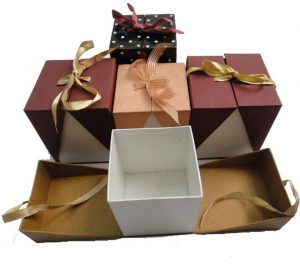 In hộp giấy đẹp tặng quà ý nghĩa